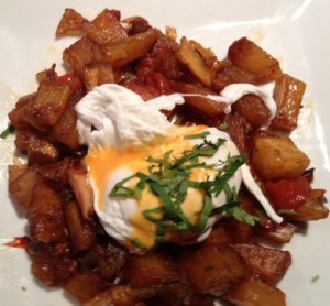 Smoked Chicken HashCaramelized onions, chilis, chipotle hollandaise , yucca, poached egg