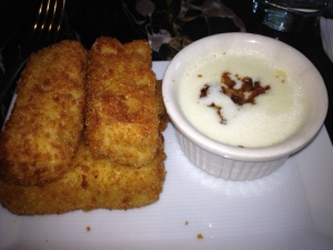 We couldn't help ourselves, we had to order their Fried Mac 'N' Cheese!