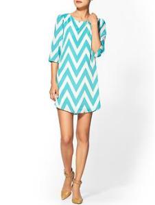 Super cute dress for summer.