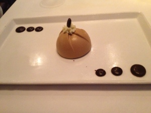 El Capuchino Hazelnut Dacquoise, Coffee Mousse