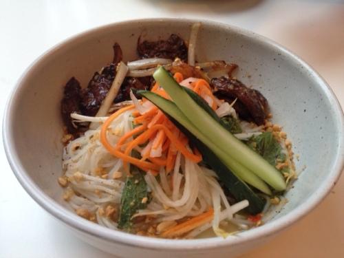Bún Bò Xào ˧ Stir Fried Lemongrass Beef on Vermicelli Noodles