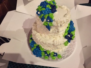The delicious wedding cake.